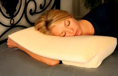Как-спать-на-ортопедической-подушке