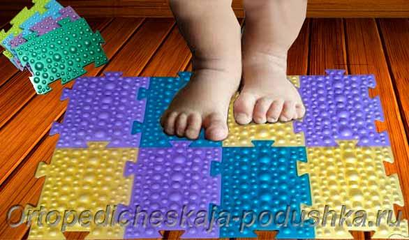 Детский массажный коврик к 810